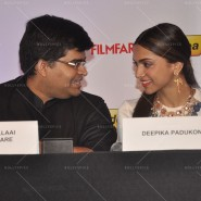 14feb FilmfareCoverDeepikaFarhan45 185x185 Special Report: Farhan Akhtar and Deepika Padukone unveil the special Filmfare issue