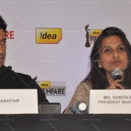 14feb FilmfareCoverDeepikaFarhan50 185x185 Special Report: Farhan Akhtar and Deepika Padukone unveil the special Filmfare issue