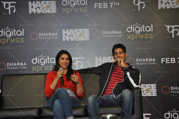 14feb HTP RelianceDigitalXpress01 612x406 Siddharth Malhotra & Parineeti Chopra at Reliance Digital Xpress Store