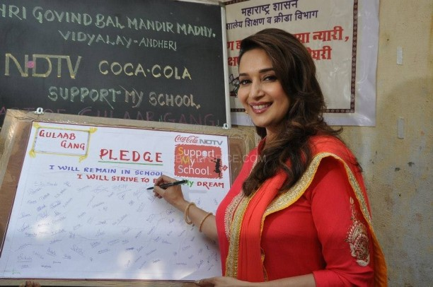 Support My School Gulaab Gang1 612x406 Madhuri Dixit and the cast and crew of Gulaab Gang champion The Support My School Campaign