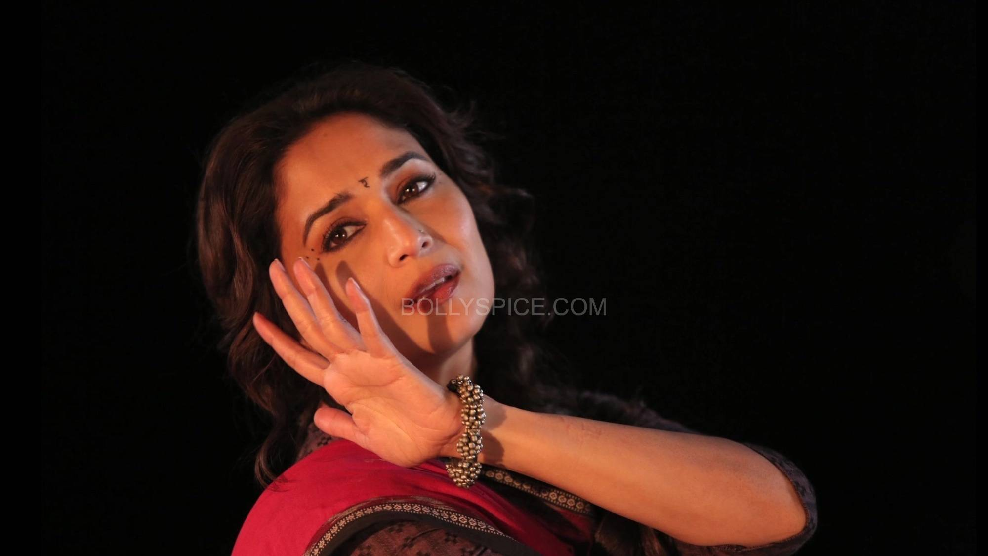 dheemidheemigulaabgang2 The magic of Madhuri in Dheemi Dheemi   Gulaab Gang