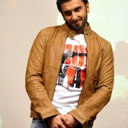gundaycollegevisits8 185x185 In Pictures: Arjun, Ranveer and Priyanka Promoting Gunday!