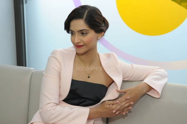 sonamkapoorsunnymaliklondon5 612x407 Sonam Kapoor in London