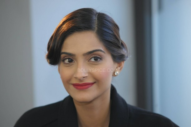 sonamkapoorsunnymaliklondon7 612x407 Sonam Kapoor in London