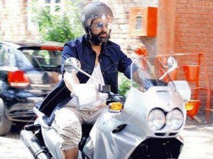 14mar_AkshayKumar-Bike