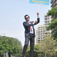 14mar AyushmannBewakoofiyaanFlashMob01 185x185 Ayushmann Khurana performs in a flash mob