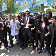 14mar AyushmannBewakoofiyaanFlashMob06 185x185 Ayushmann Khurana performs in a flash mob