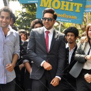 14mar AyushmannBewakoofiyaanFlashMob14 185x185 Ayushmann Khurana performs in a flash mob