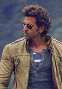 14mar Hrithik DTP Superhero Hrithik Roshan helps out Delhi Traffic Police