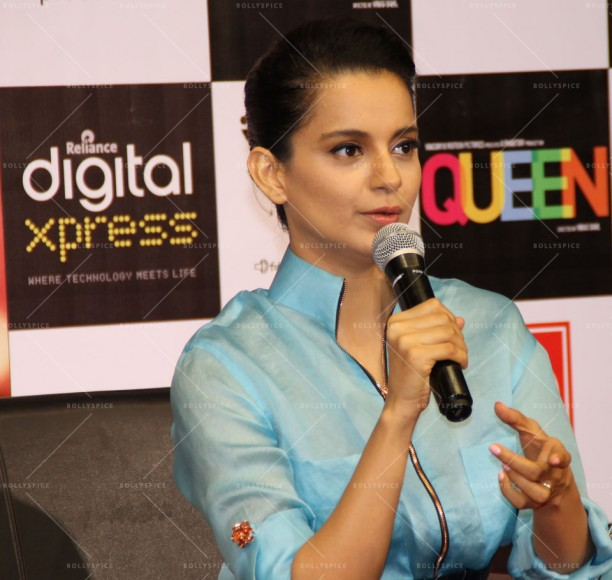 14mar_KanganaRelianceDigital02