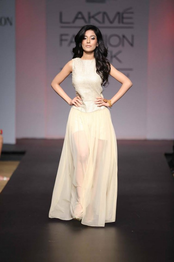 14mar LFWSR Bollywood07 612x918 Bollywood Showstoppers at Lakme Fashion Week Summer Resort 2014