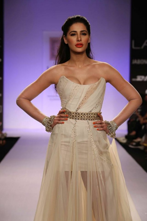 14mar LFWSR Bollywood11 612x918 Bollywood Showstoppers at Lakme Fashion Week Summer Resort 2014