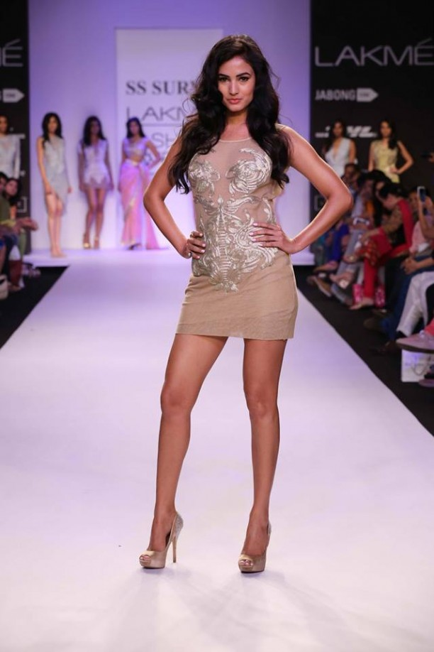 14mar LFWSR Bollywood14 612x918 Bollywood Showstoppers at Lakme Fashion Week Summer Resort 2014