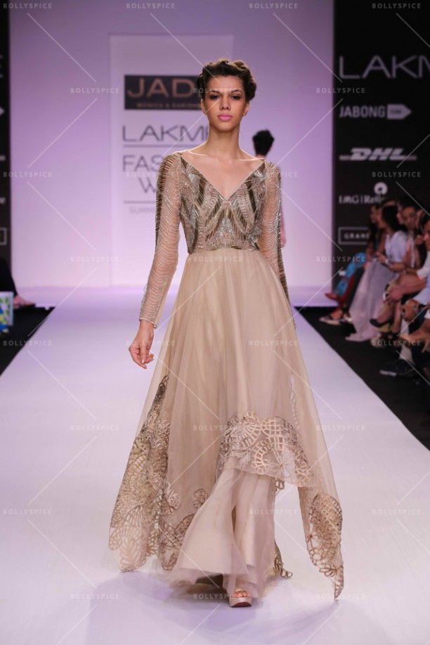 14mar LFWSR D3 Jade01 612x918 Jade by Monica Shah and Karishma Swali brought 1920s glamour at LFW SR 2014