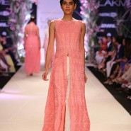 14mar LFWSR MM01 185x185 Manish Malhotra opens with A Summer Affair at Lakme Fashion Week SR 2014