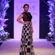 14mar LFWSR MM04 185x185 Manish Malhotra opens with A Summer Affair at Lakme Fashion Week SR 2014