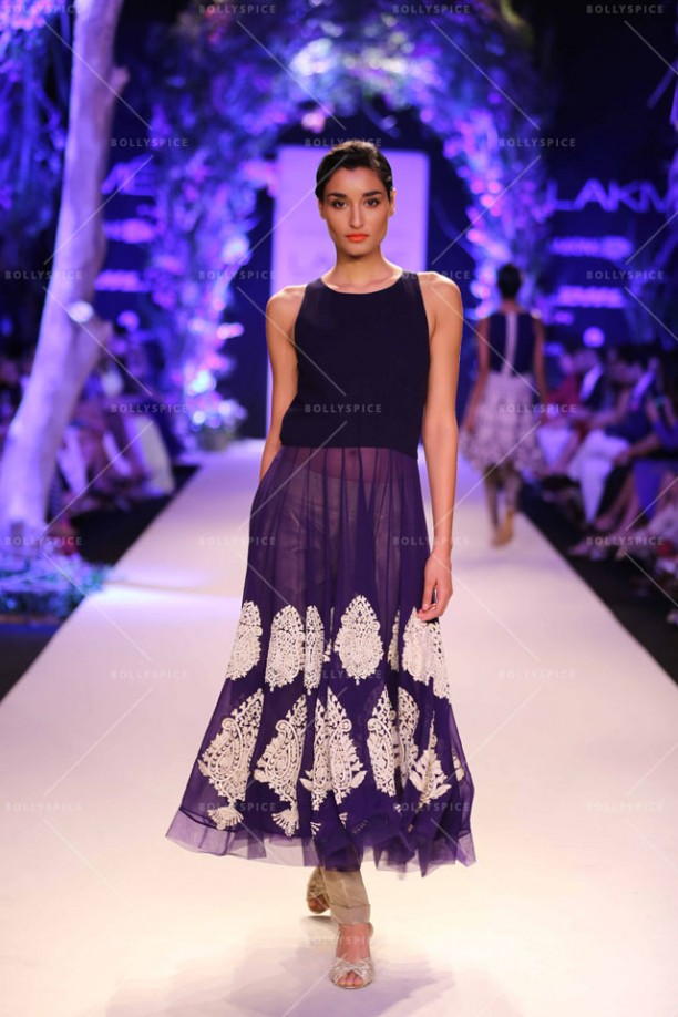 14mar LFWSR MM05 612x918 Manish Malhotra opens with A Summer Affair at Lakme Fashion Week SR 2014