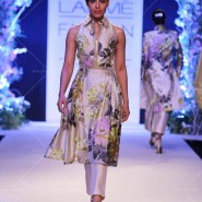 14mar LFWSR MM06 185x185 Manish Malhotra opens with A Summer Affair at Lakme Fashion Week SR 2014
