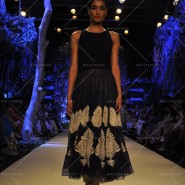 14mar LFWSR MM11 185x185 Manish Malhotra opens with A Summer Affair at Lakme Fashion Week SR 2014