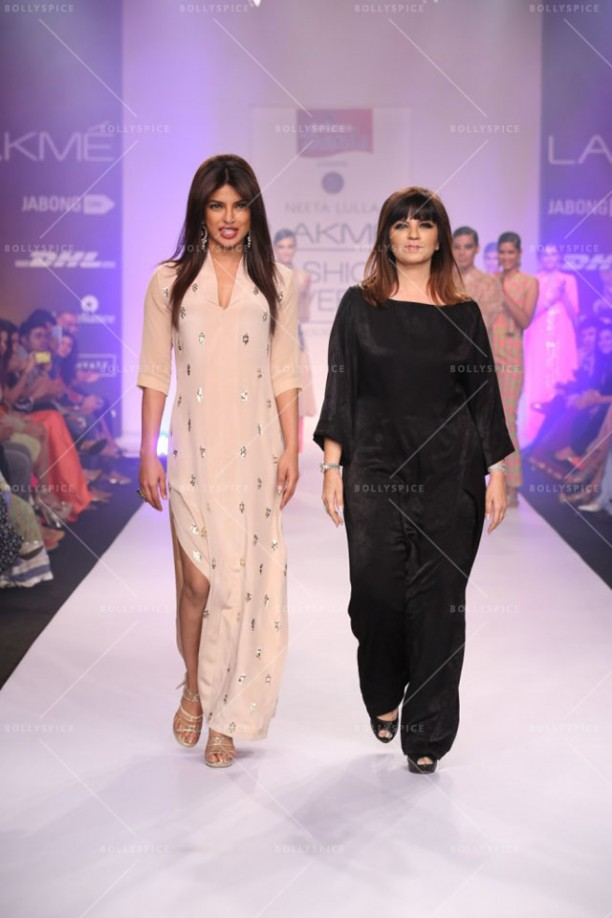 14mar LFWSR NeetaLulla00 612x918 Priyanka Chopra shows off the stunning showstopper for designer Neeta Lulla