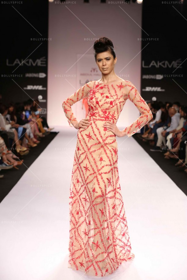 14mar LFWSR2014 D3 Halder03 612x918 Abdul Halder creates a fashionable stir at LFW SR 2014