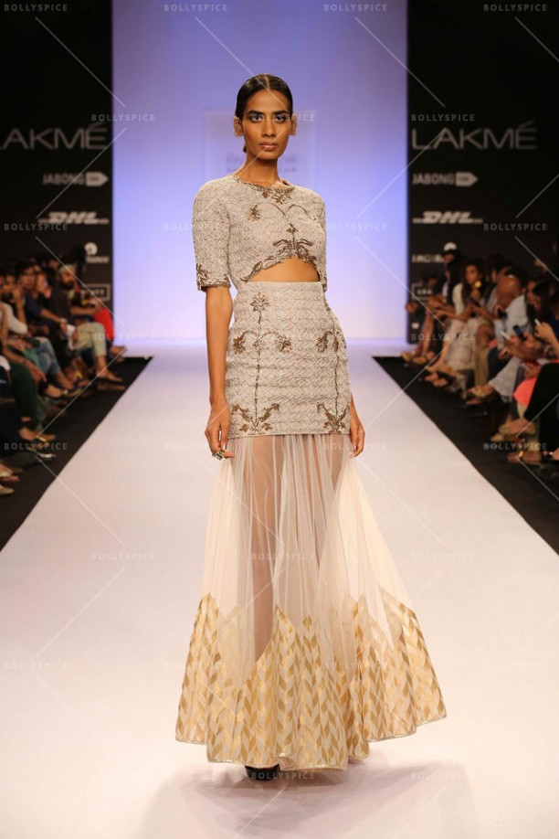 14mar LFWSR2014 D3 PayalSinghal02 612x918 Payal Singhal tantalizes with her Moroccan fashion soirée at Lakme Fashion Week SR 2014