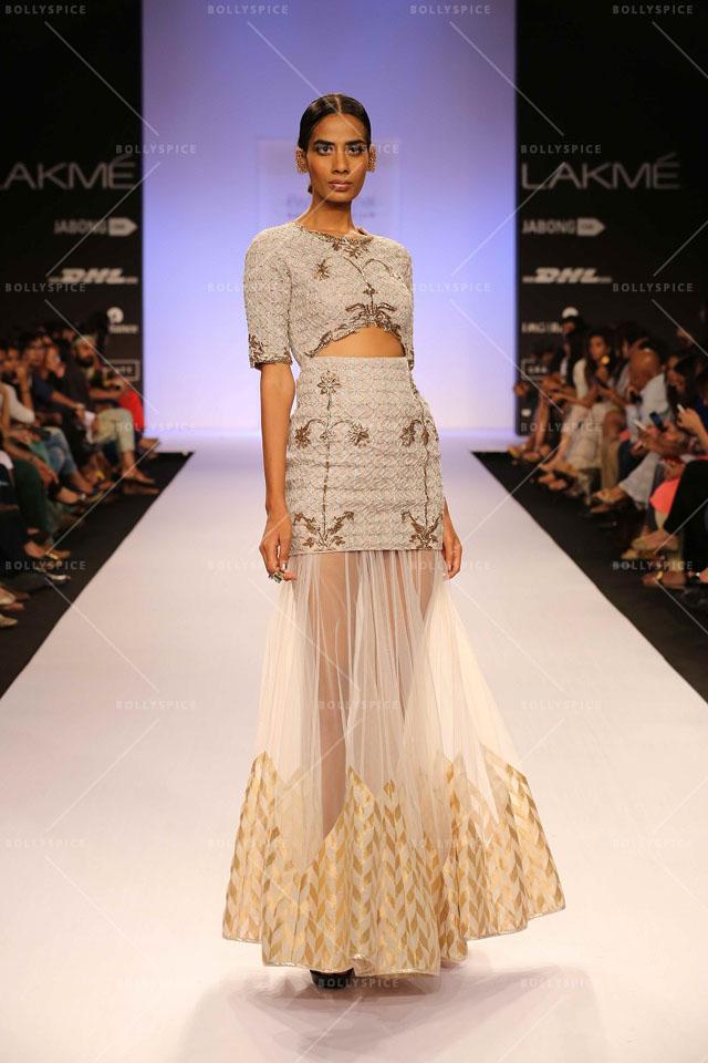 payal singhal tantalizes with her moroccan fashion soir u00e9e