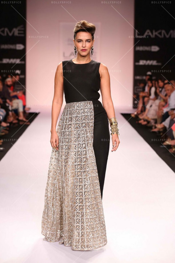 14mar LFWSR2014 D3 PayalSinghal03 612x918 Payal Singhal tantalizes with her Moroccan fashion soirée at Lakme Fashion Week SR 2014