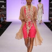 14mar LFWSR2014 TillaAratrik02 185x185 Floral patterns to rich Indian weaves capture the lime light on day 3 of Lakme Fashion Week SR 2014