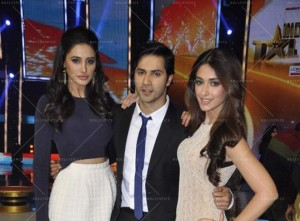 14mar MTH IGT Varun 300x221 Varun Dhawans balancing act for his mentor K.Jo and Main Tera Hero!