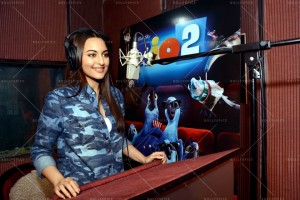 14mar Rio2 SonakshiSings 300x200 Sonakshi Sinha sings for the very 1st time for the animation film Rio 2!!