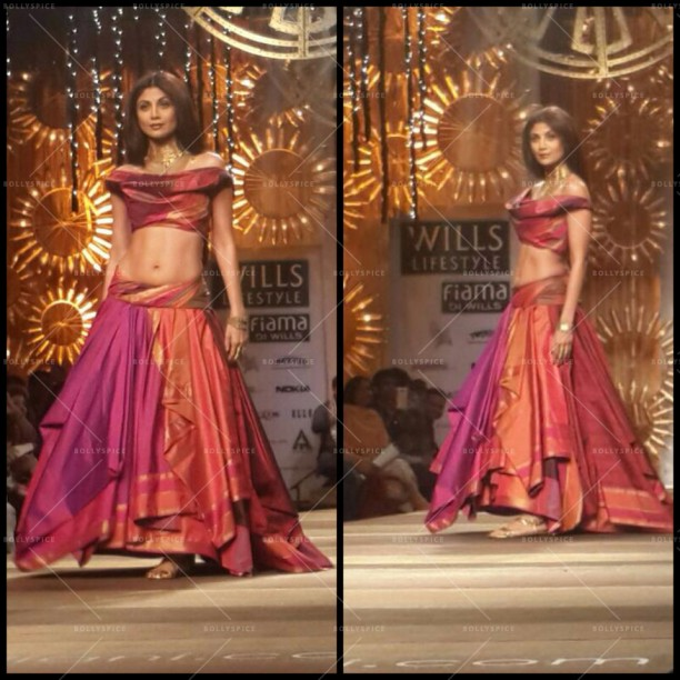 14mar ShilpaShettyWLIFW05 612x612 Shilpa Shetty dazzles for Dishkiyaoon at Wills Lifestyle India Fashion Week