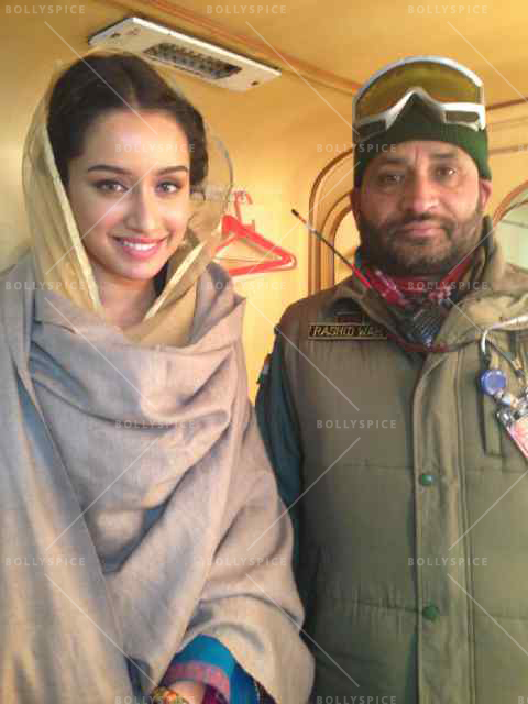 14mar Shraddha KargilSoldier Shraddha Kapoor meets a solider who fought at the Kargil war