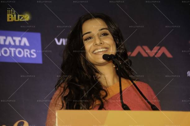 14mar VidyaIIFA TampaPress01 612x406 More details on Vidya Balan in the US and IIFA in Tampa!