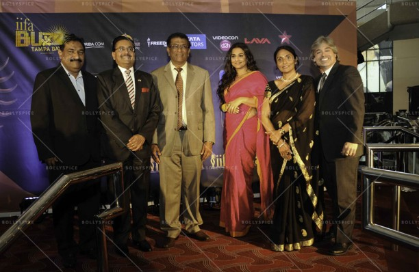 14mar VidyaIIFA TampaPress02 612x398 More details on Vidya Balan in the US and IIFA in Tampa!