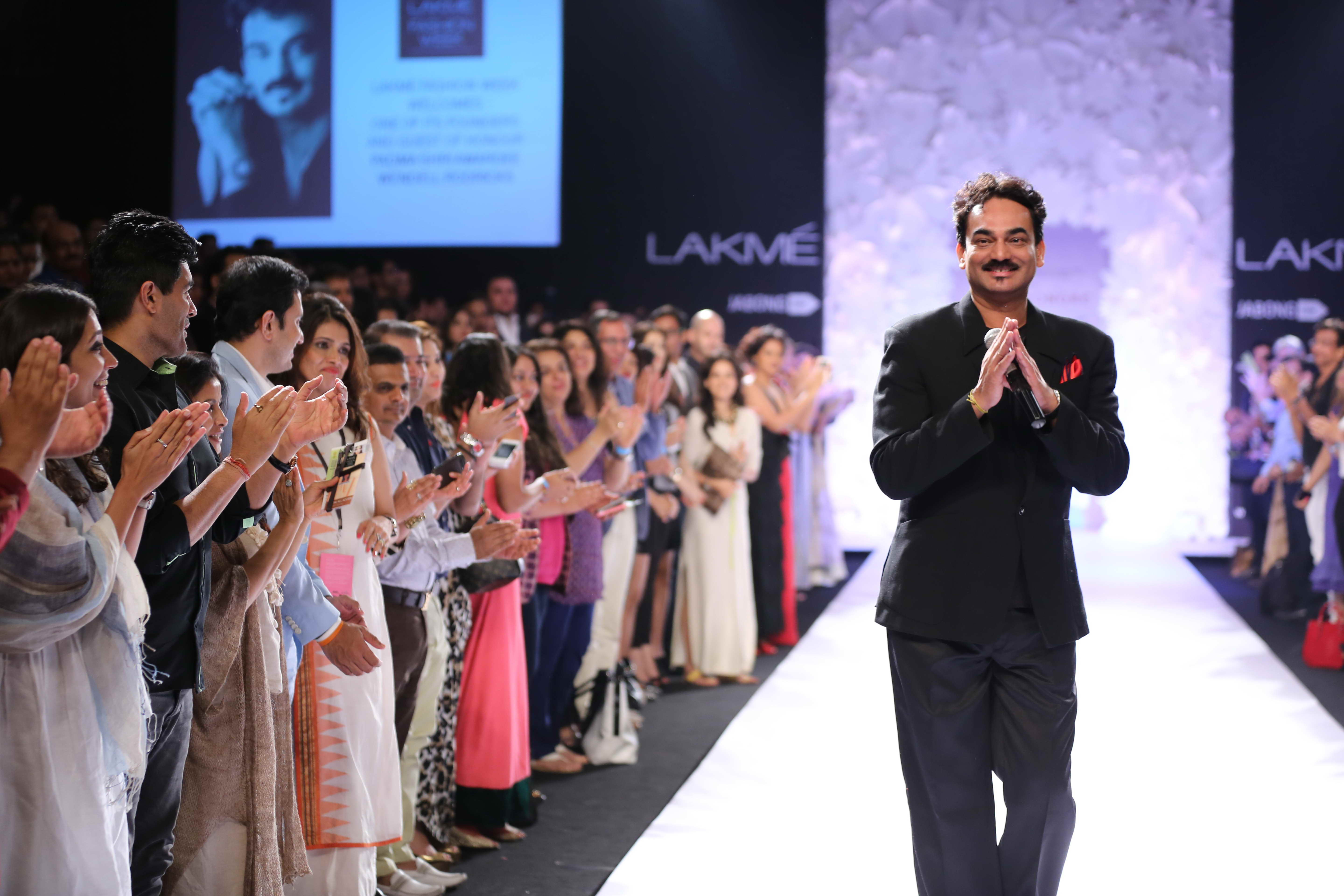 LFW Wendell Rodricks Wendell Rodricks felicitated with Padma Shri on Day 4 at LFW SR 2014