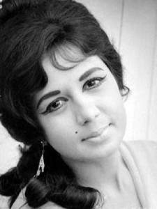 nanda 225x300 Bollywood veteran actress Nanda dies