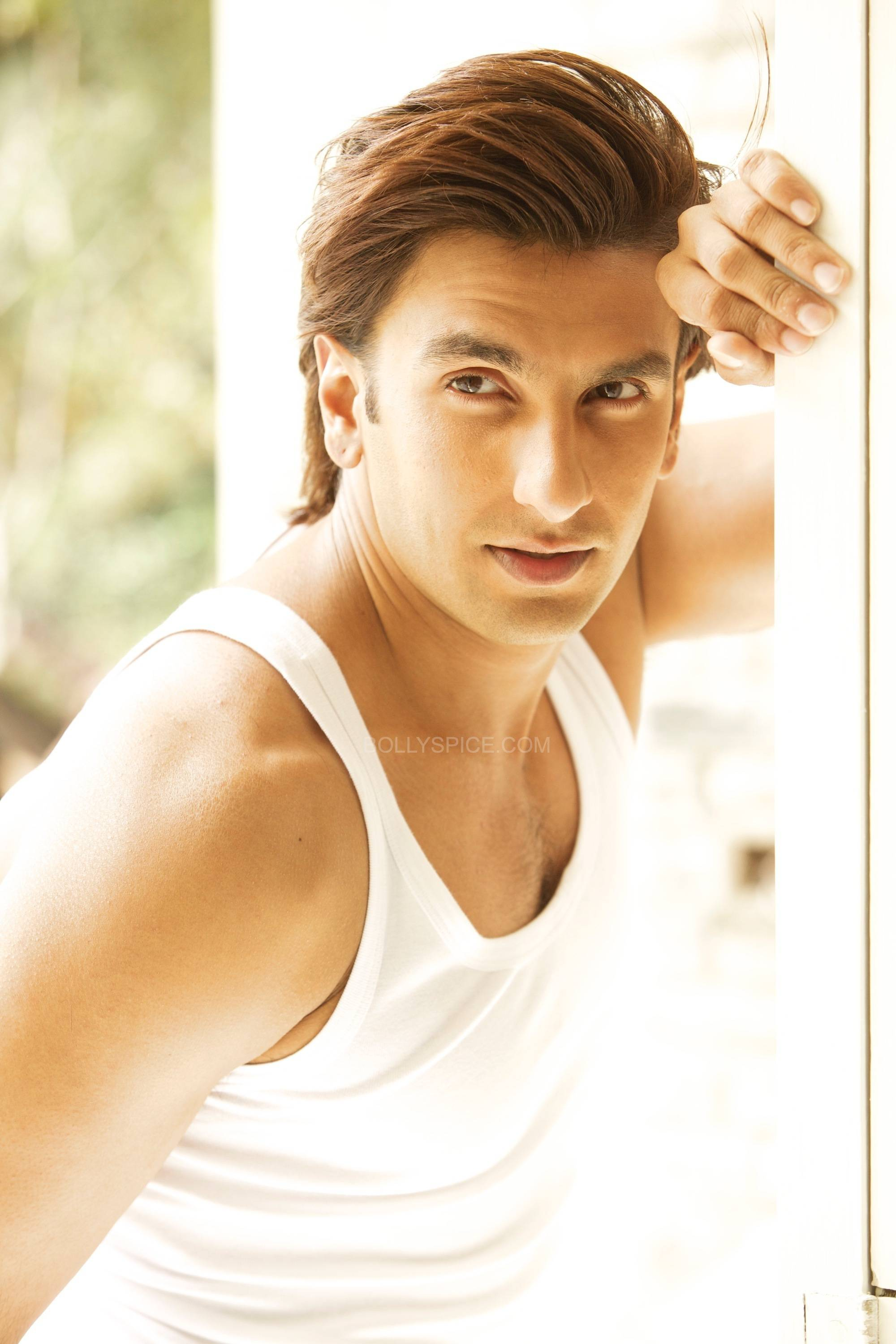 ranveersingh3 Ranveer Singhs new endorsement pushes the envelope!