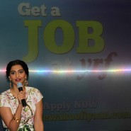 sonam kapoor 18 185x185 Sonam and Ayushman at Bewakoofiyaan Press Conference Welingkar College