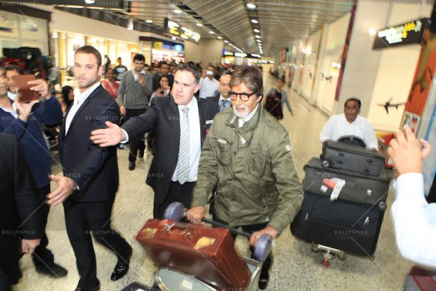 14apr AmitabhMelbourneArrival IFFM01 612x408 In Pictures: Amitabh Bachchan Arrives in Australia for the Indian Film Festival of Melbourne