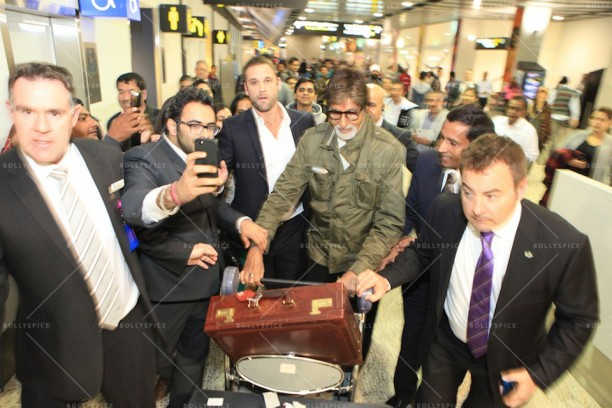 14apr AmitabhMelbourneArrival IFFM02 612x408 In Pictures: Amitabh Bachchan Arrives in Australia for the Indian Film Festival of Melbourne