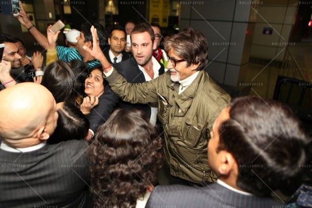 14apr AmitabhMelbourneArrival IFFM05 612x408 In Pictures: Amitabh Bachchan Arrives in Australia for the Indian Film Festival of Melbourne