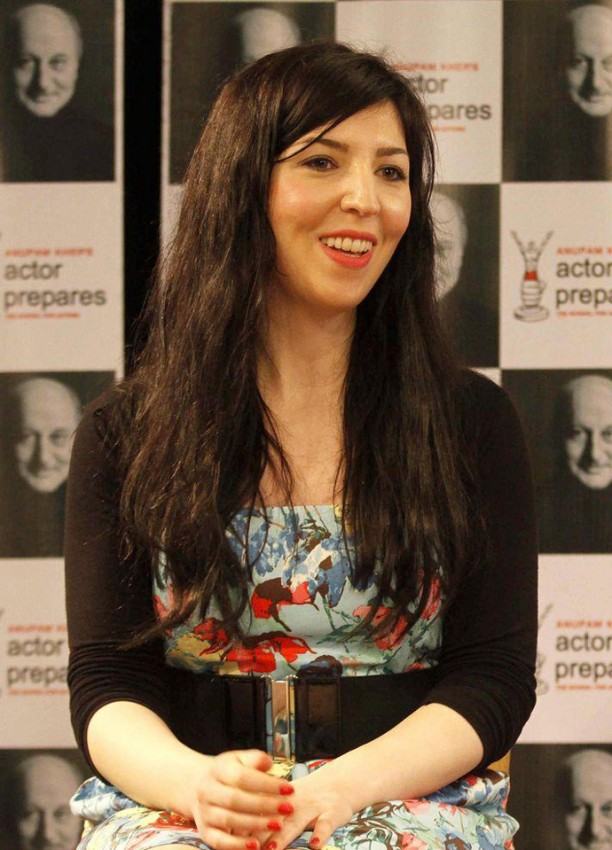 "14apr AureliaKhazanBSpiceIntrvw03 612x850 ""The hindi film industry is stimulating""   French Actress Aurélia Khazan in Conversation with Bollyspice"
