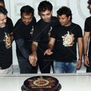 14apr BombayVelvetWrapParty30 185x185 In Pictures: Its a wrap for the team of Bombay Velvet!