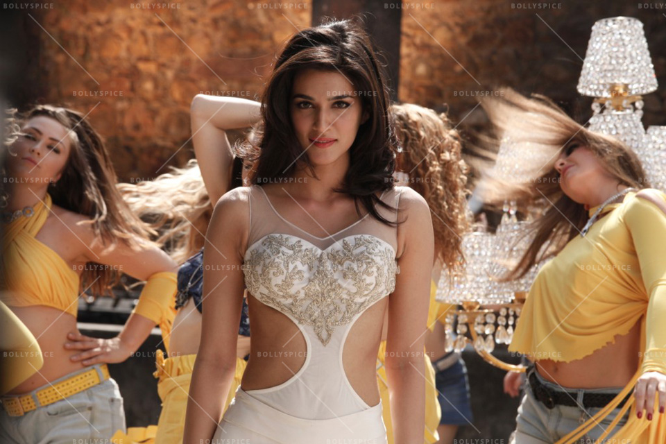heropanti video song whistle baja free