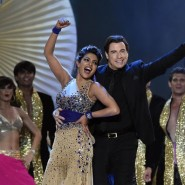 14apr IIFAJohnTravolta19 185x185 John Travolta at IIFA