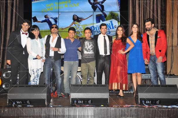 14apr PuraniJeansMusicConcert03 612x406 In Pictures: Purani Jeans Music Launch plus check out Sona Mohapatras Unplugged Version of the romantic DIL AAJ KAL