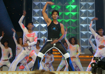 14apr iifa shahid Shiamak Dances Down the IIFA Award Memory Lane   Exclusive!