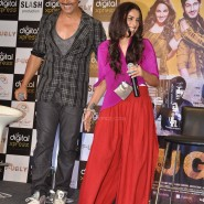 Akshay Kumar & Ashvini Yardi