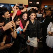Alia with fans 185x185 Alia Bhatt, Arjun Kapoor and Chetan Bhagat at Cineworld For 2 States